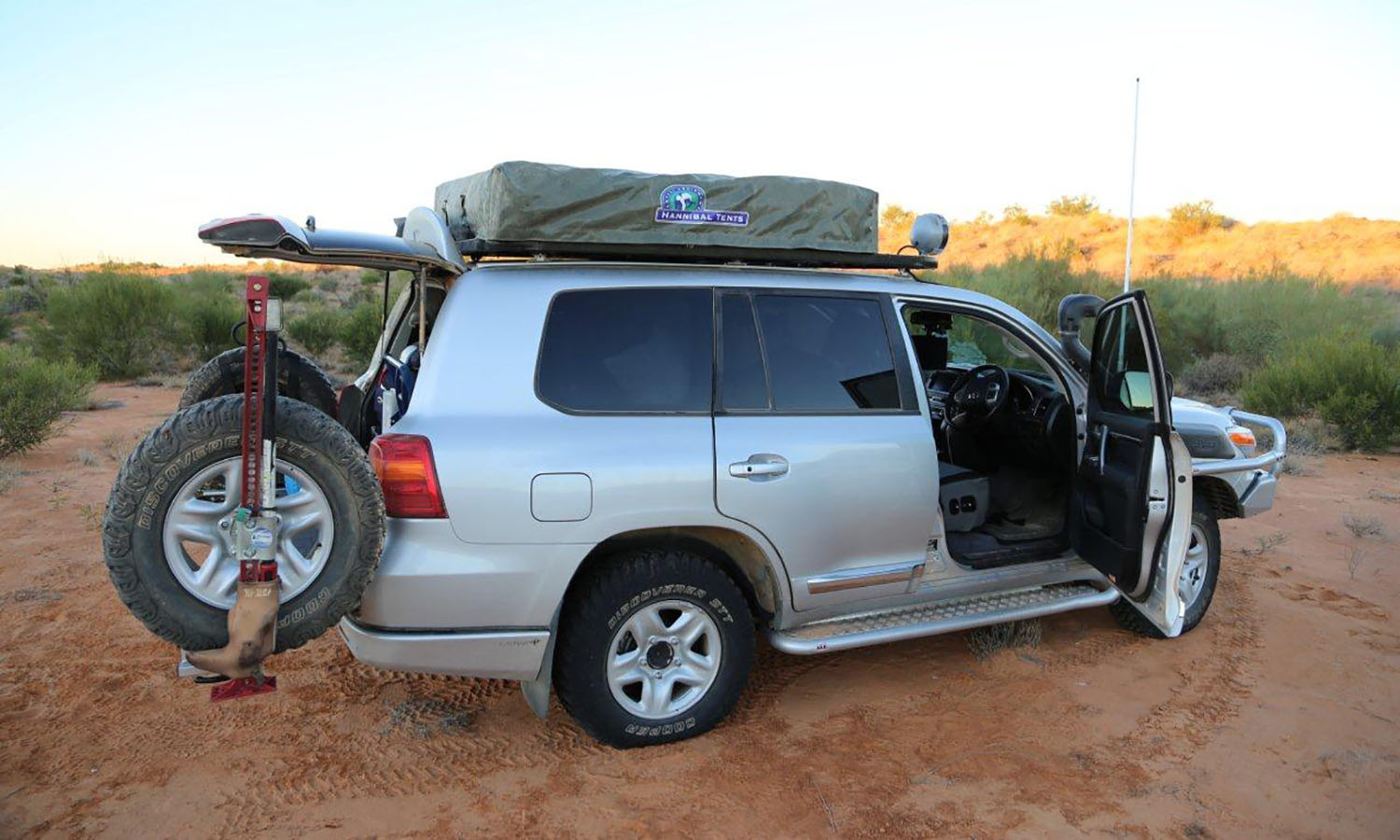 Hannibal Roof Racks for 200 Series Toyota Landcruiser