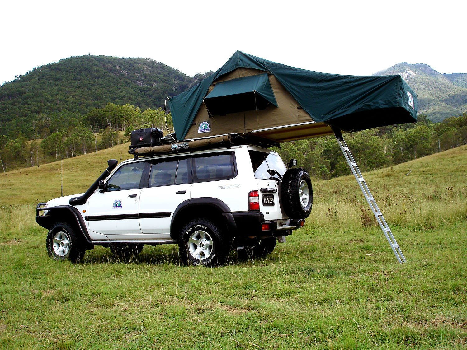 Hannibal Safari Equipment - Classic Tent with Jumbo Fly Sheet