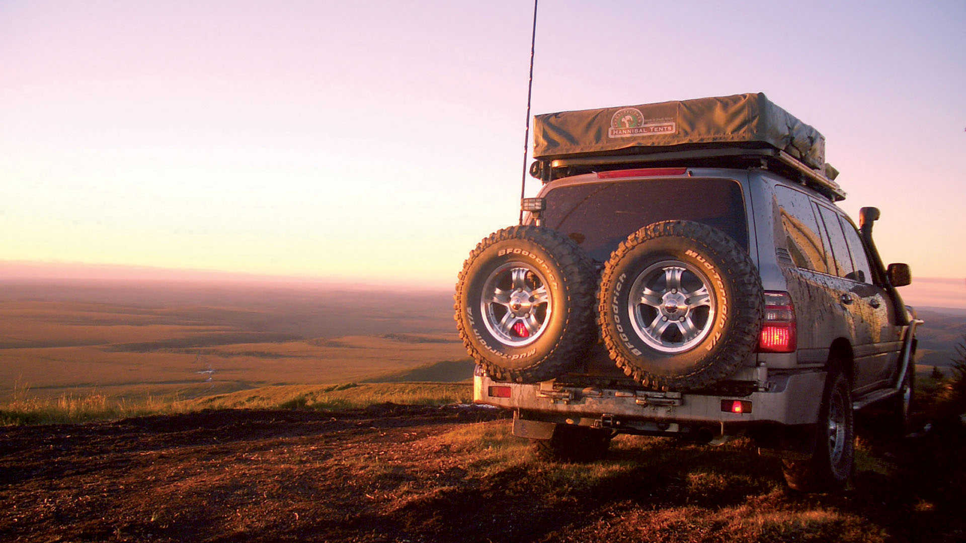 Hannibal Safari the world's toughest rooftop tents