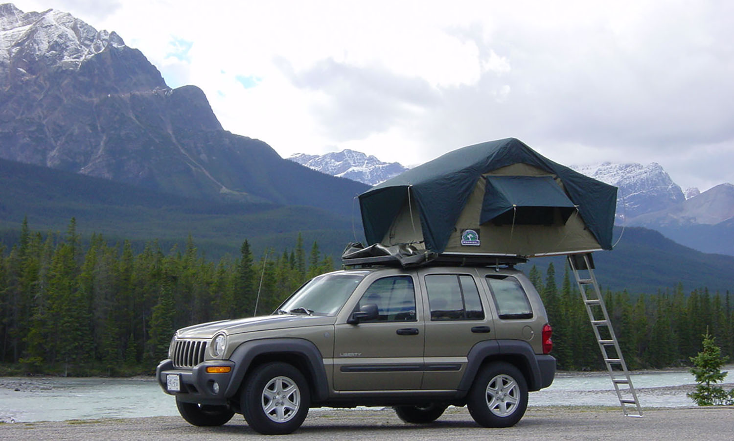 Jeep with Hannibal Safari Rooftop Tent & Hannibal Classic Canvas Tent - Hannibal Safari Equipment
